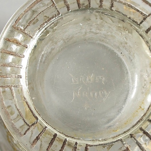 Daum-Nancy-1925-etched-gold-4