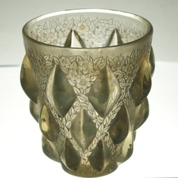 René-Lalique-Rampillon-Opalescent-Glass-Vase-2
